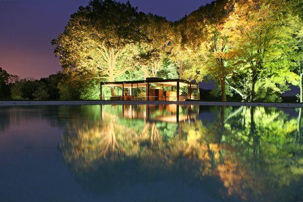 Glass-House-night..