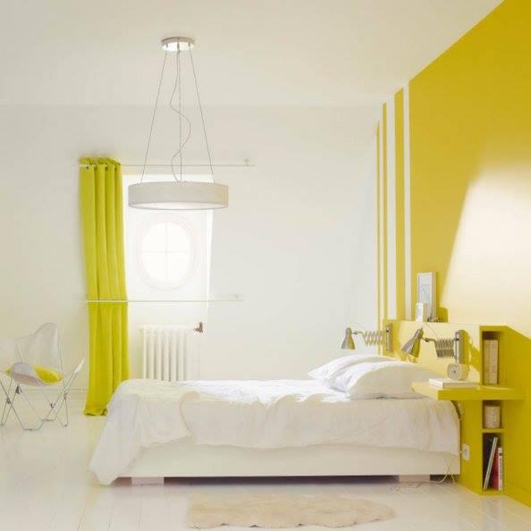 chambre jaune et blanc